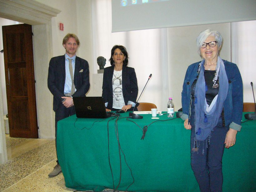 da sx Matteo Santipolo, Antonella Benucci, Mirella Rigobello, presidente comitato Dante Alighieri di Rovigo